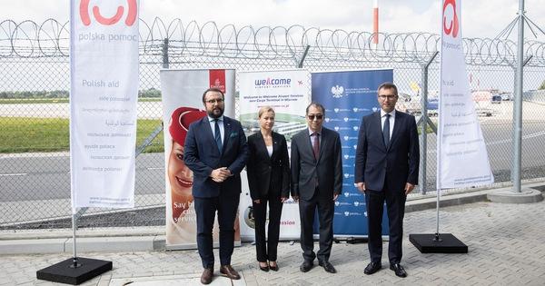 ویتنام 500000 دوز واکسن COVID-19 را از لهستان دریافت می کند