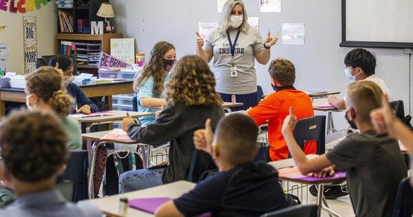 سازمان جهانی بهداشت و یونیسف: معلمان واکسیناسیون باید قبل از سال تحصیلی جدید در اولویت قرار گیرند